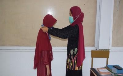 Raih Nilai Rapot terbesar, Kepala Madrasah berikan Beasiswa